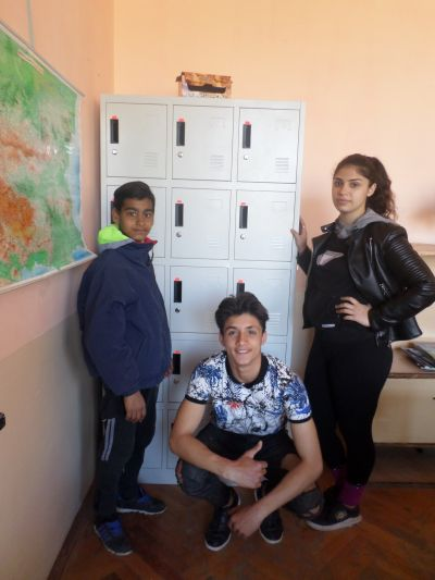 ученически шкафчета  - ОУ Христо Ботев - Каспичан